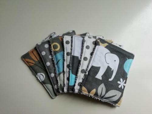 7 Lingettes Éléphants et pois gris